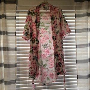 Nwot! Show me your mumu kimono robe